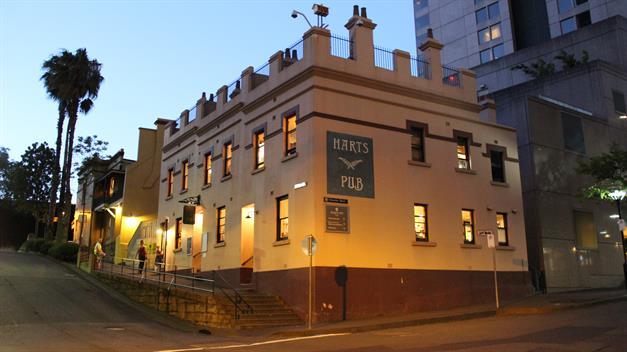 041a-harts-pub